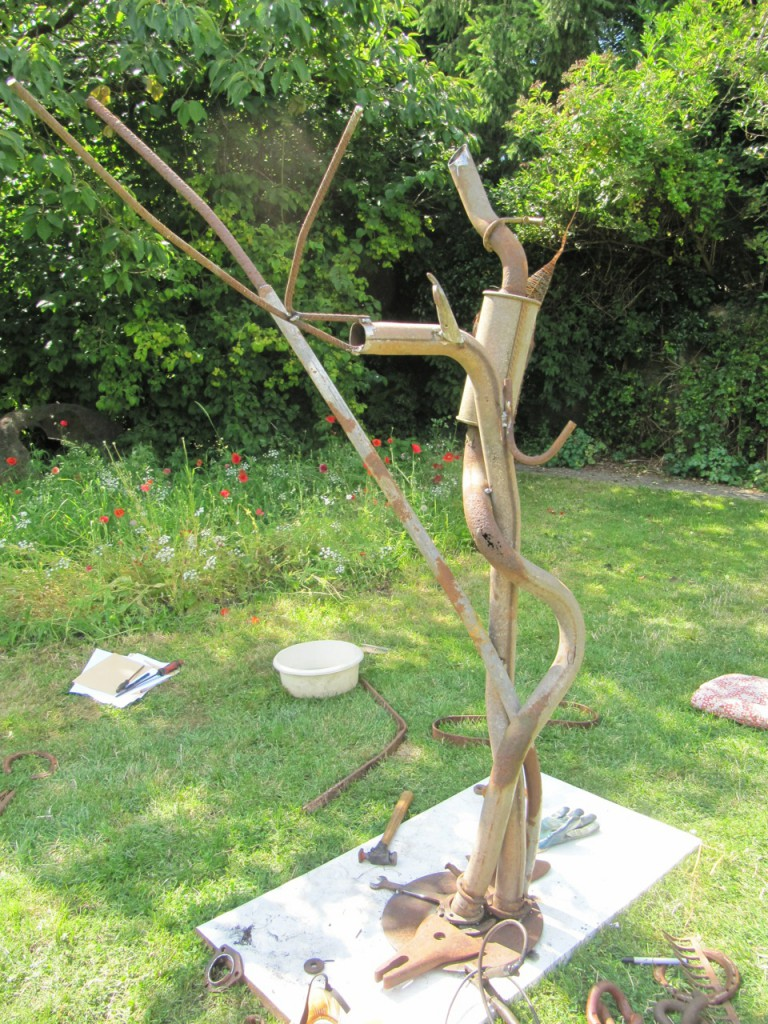 Tree Sculpture made be Pete Margerum and Fiona Campbell. litterarti, WasteofSpace workshop